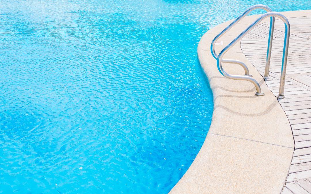 borde-de-piscina